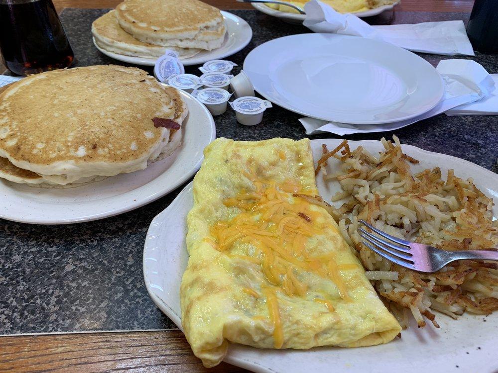 Ladybug Family Restaurant: 800 E Caswell St, Wadesboro, NC