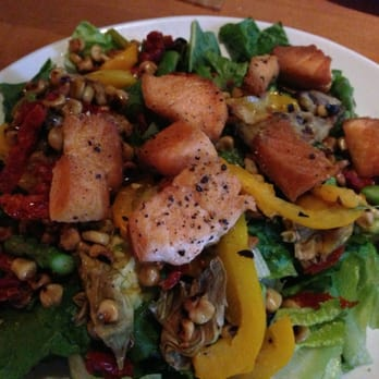 California Pizza Kitchen Roasted Veggie Salad Full