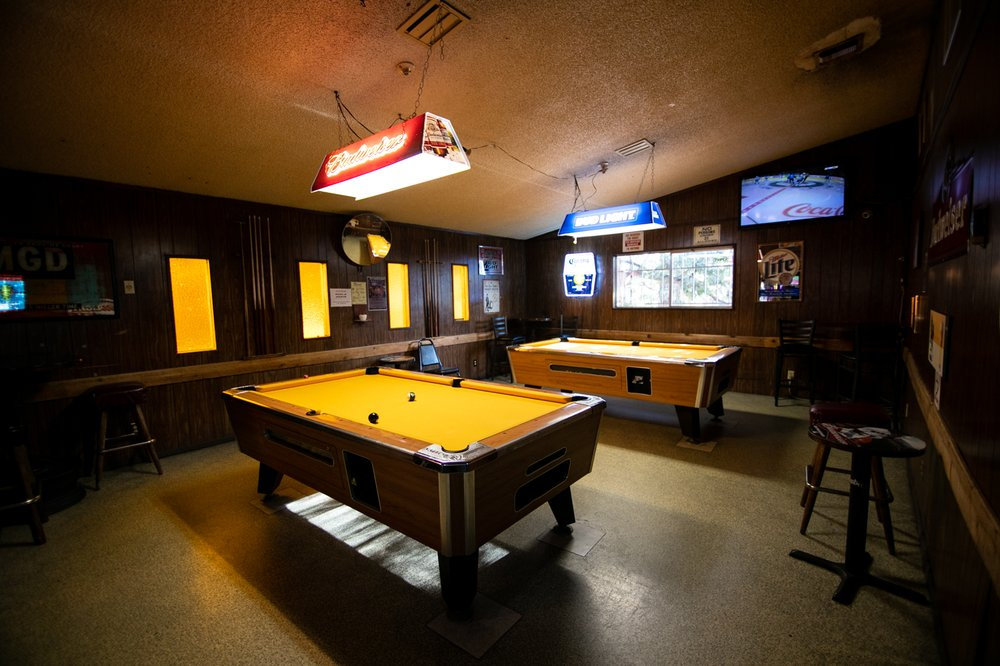 Gold Room Saloon: 903 S Mount Shasta Blvd, Mount Shasta, CA