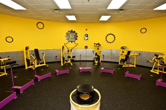 Planet Fitness: 465 Boardman Canfield Rd, Youngstown, OH