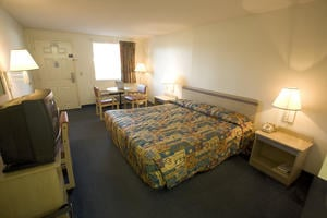 Americas Best Value Inn: 1415 Bryson Rd, Ardmore, TN