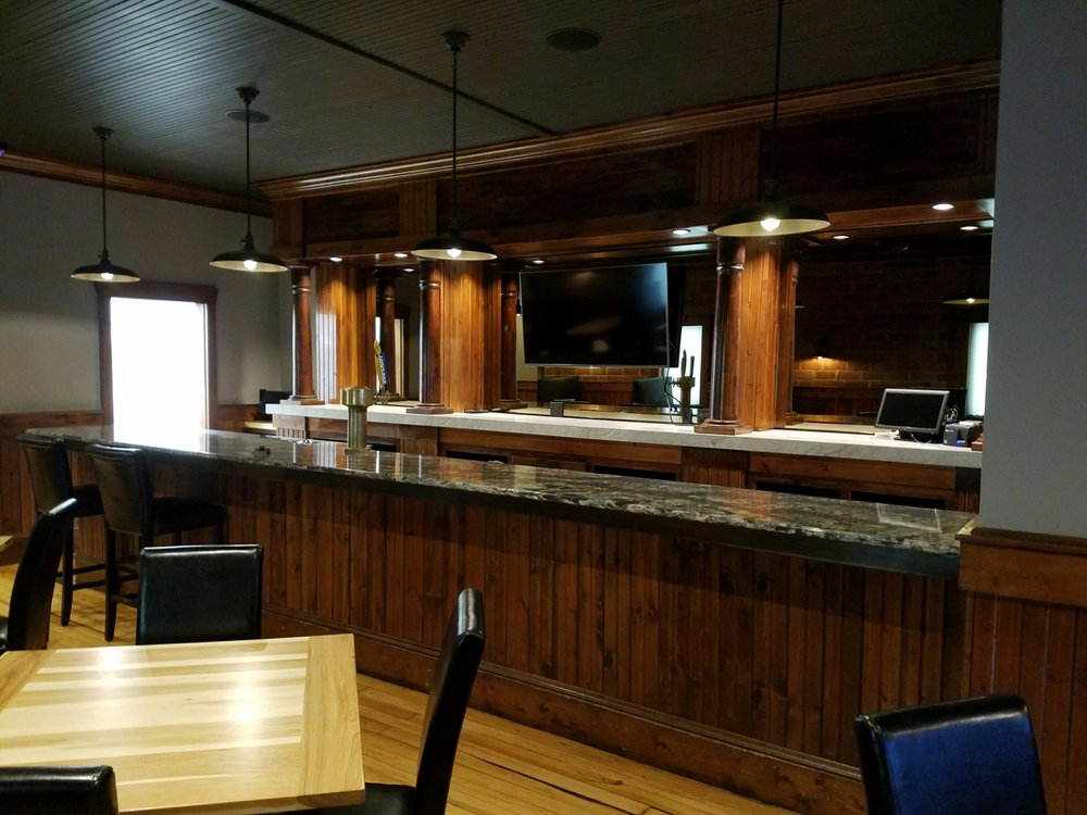 Downtown Grille: 121 3rd St NW, Orange City, IA