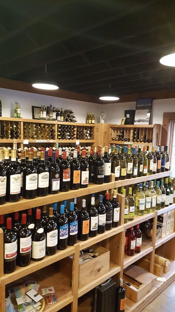 Chuck's Fine Wines: 23 Bell St, Chagrin Falls, OH
