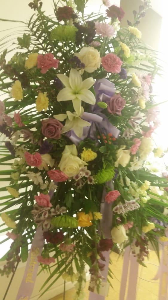 Selina s flowers 12 photos florists 102b carlton ave for 7 eleven islip terrace