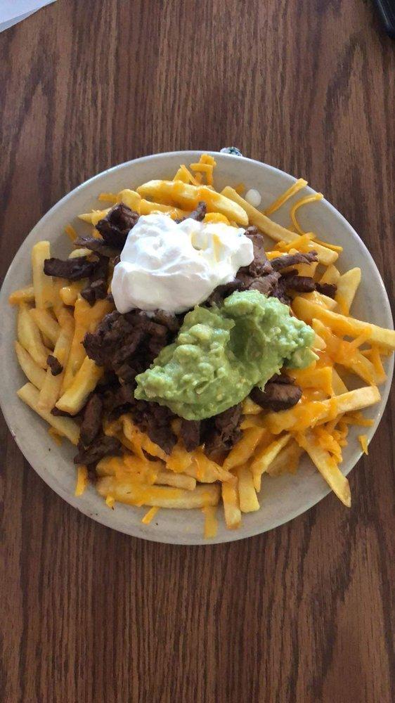 El Rancho Mexican Restaurant: 615 2nd St, Pleasanton, TX