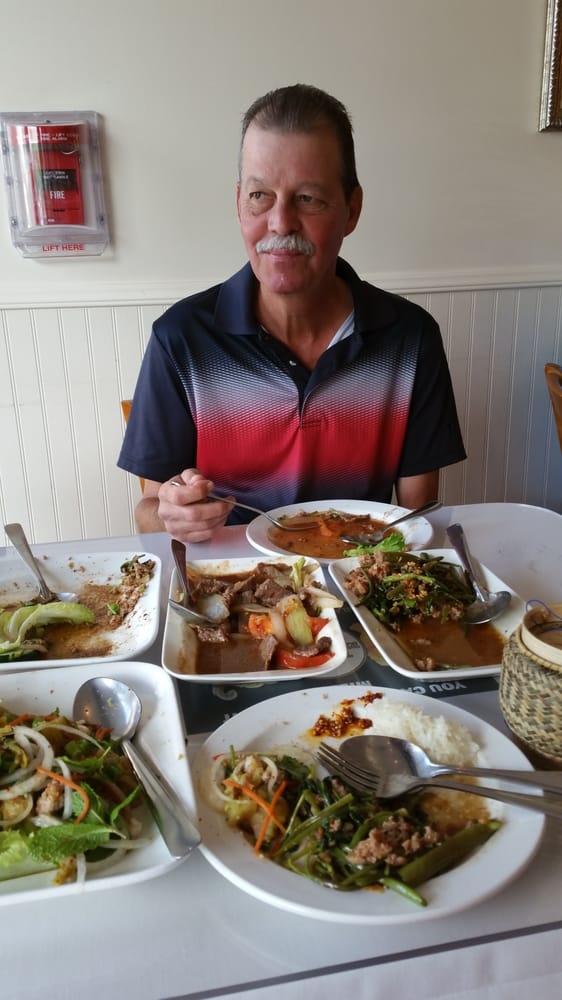 Thai lao restaurant 676 billeder 510 anmeldelser for Ano thai lao cuisine menu