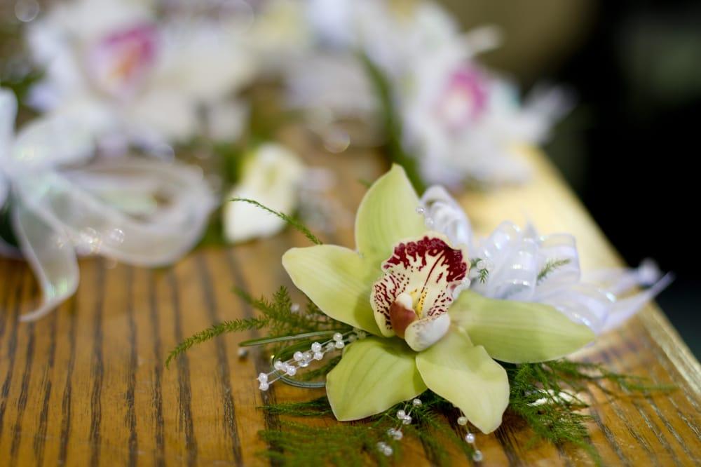 New Kensington Floral: 2227 Freeport Rd, New Kensington, PA