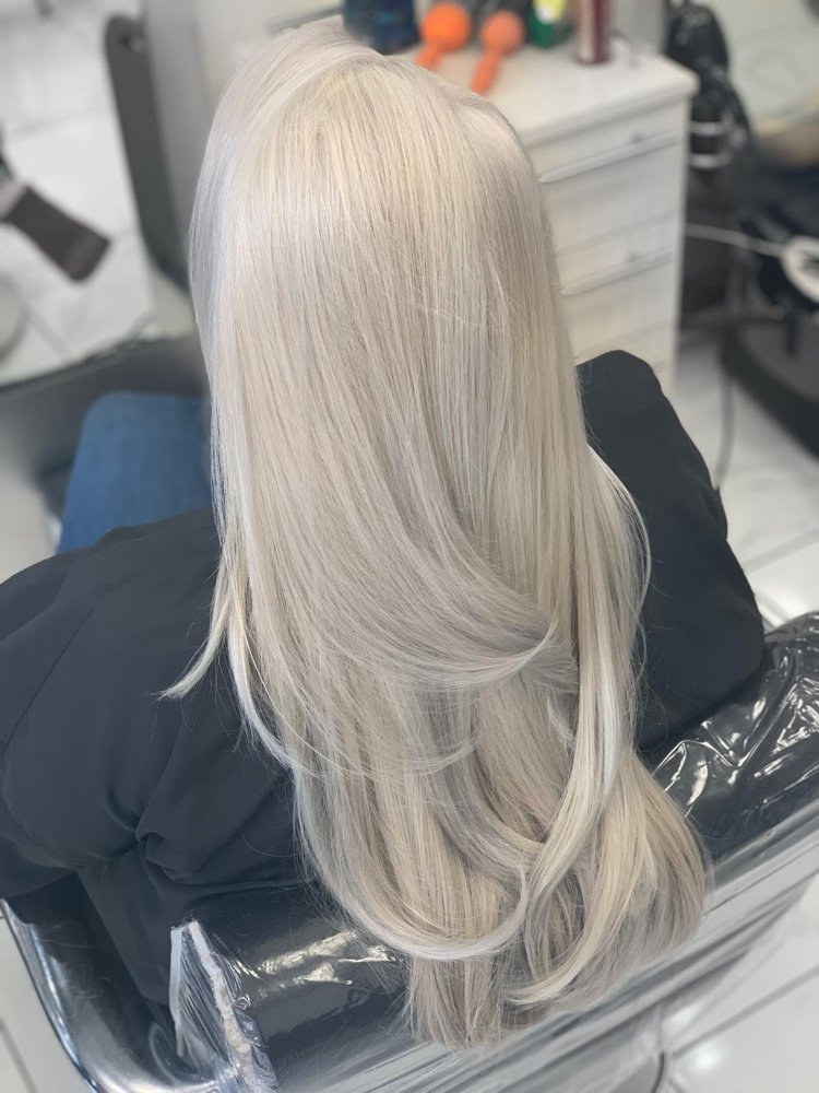 Estelle Hair Studio & Spa: 6860 Austin St, Forest Hills, NY