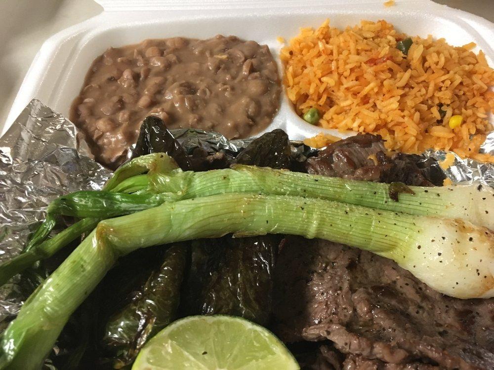 Los Aztecas: 613 N Austin Ave, Denison, TX