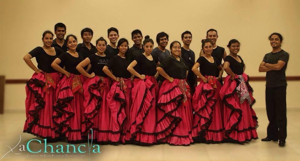 """La Chancla"" Compañía de Danza Folclórica Multidisciplinaría: Lago de Hurón 56, Tlacolula de Matamoros, OAX"