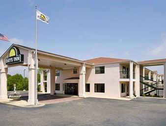 Days Inn by Wyndham Enterprise: 714 Boll Weevil Circle, Enterprise, AL