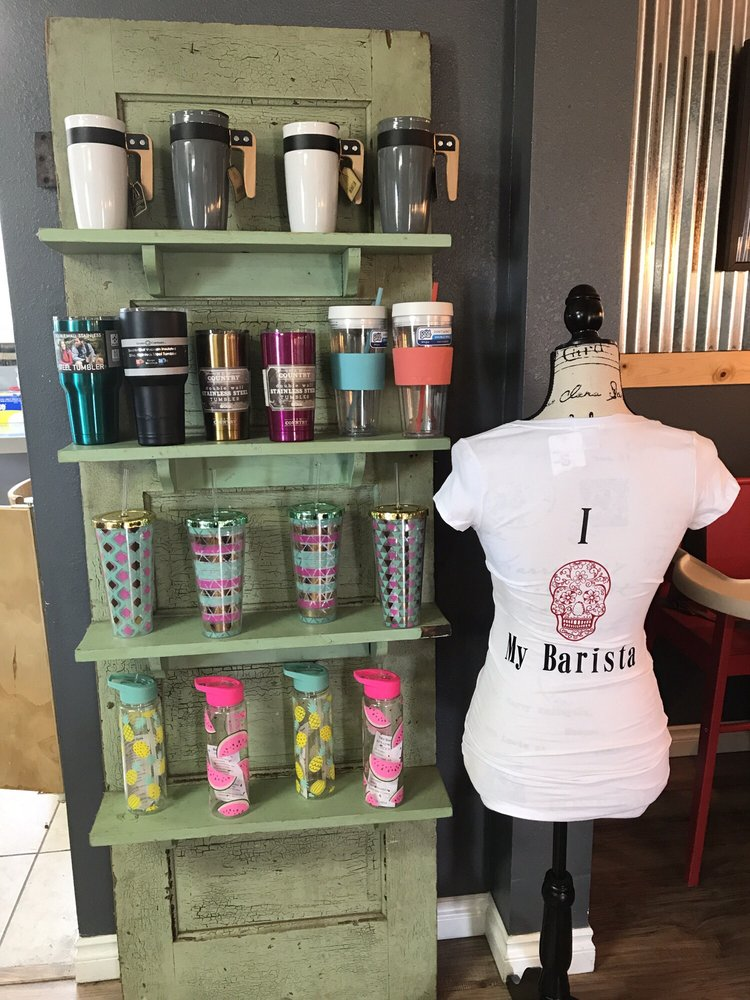 Lucky You Coffee: 110 1st St, Aumsville, OR