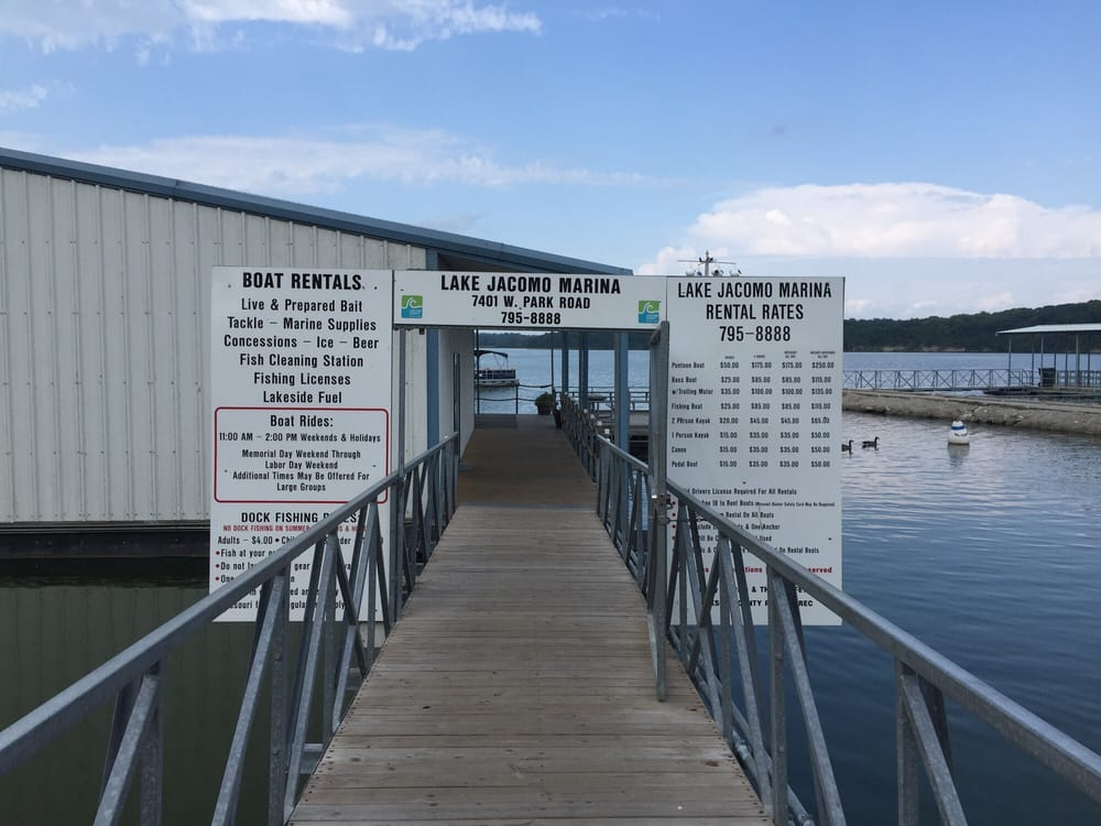 Lake Jacomo Marina