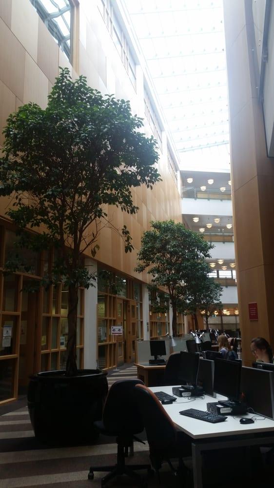 Queens University Belfast - The McClay Library   10 College Park, Belfast BT7 1LP   +44 28 9097 6135