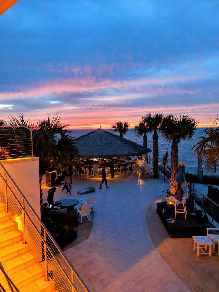 Opal Sands Resort: 430 S Gulfview Blvd, Clearwater Beach, FL