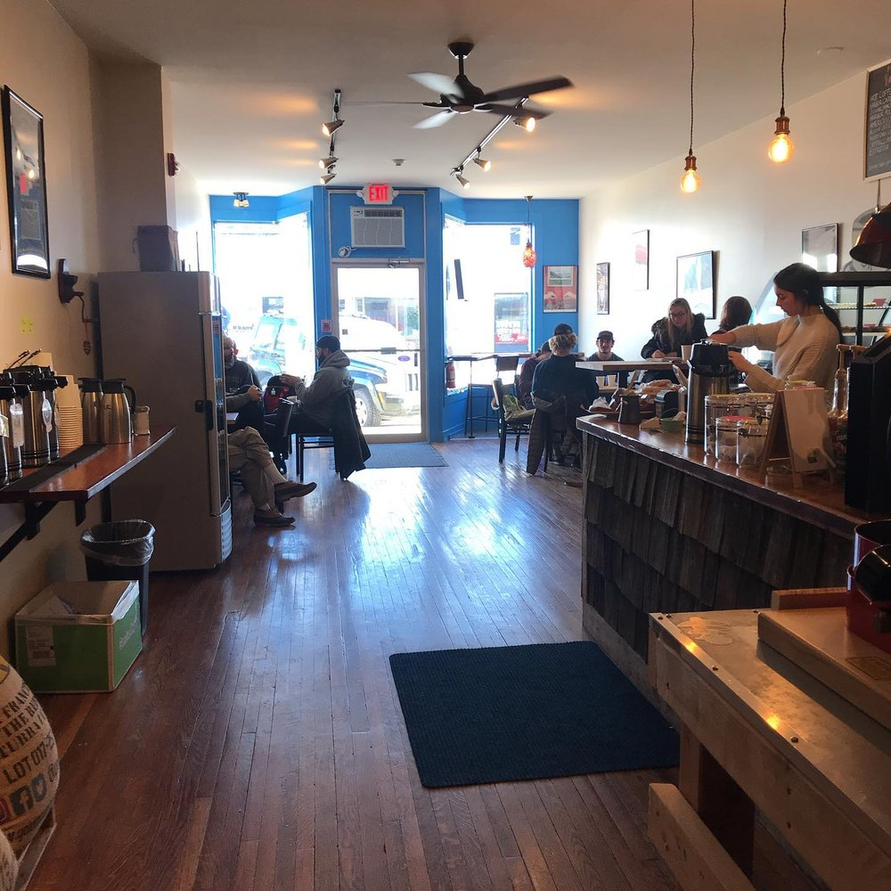 Blue Harbor Coffee: 446 Lafayette Rd, Hampton, NH