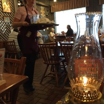 Cracker Barrel Old Country Store 11 Photos 23 Reviews Southern 13637 N Us Hwy 27 Lady