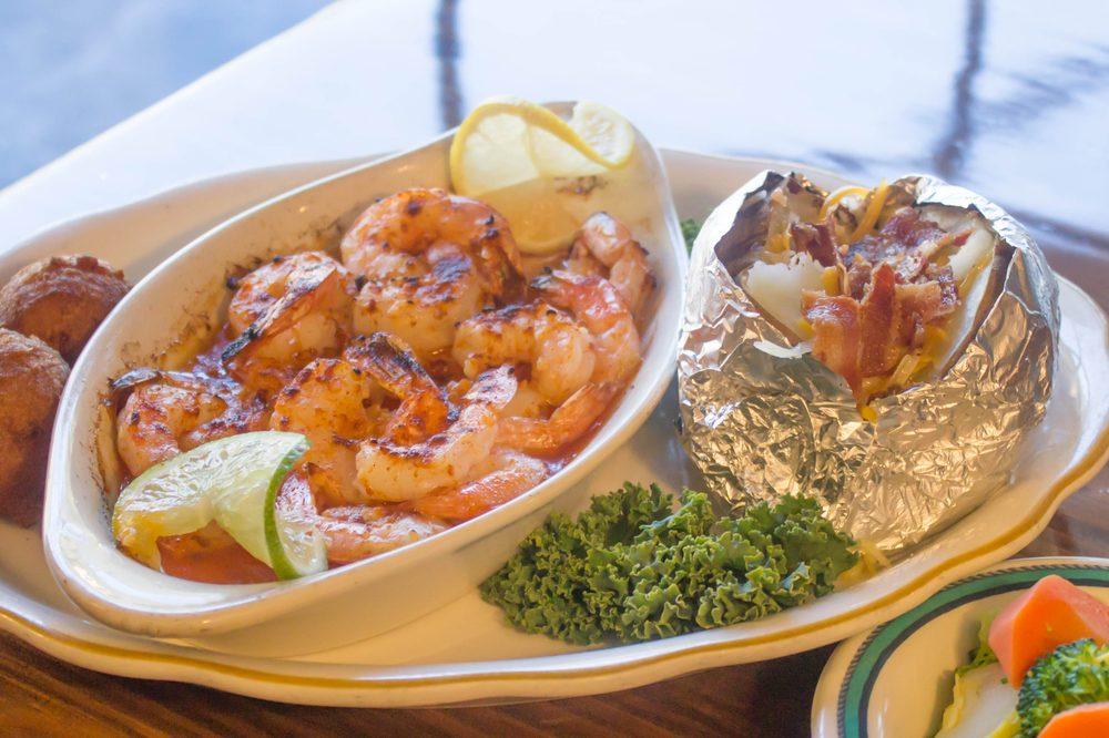 Captain Joe's Seafood: 2115 Golden Isle E, Baxley, GA