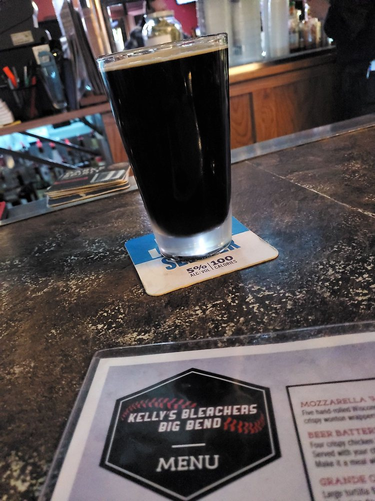 Kellys Bleachers Grill: 10 Vernon Ln, Big Bend, WI