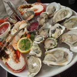 The River Palm Terrace - Edgewater, NJ, United States. Fresh seafood platter for two.