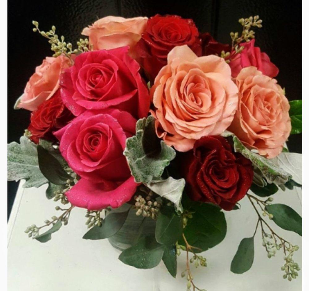 Traceys Flowers: 201 W Main St, Fleetwood, PA