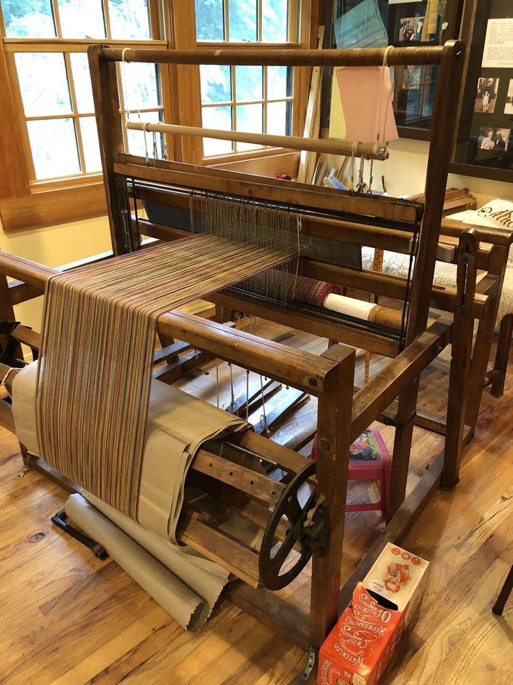 Crossnore Weavers: 205 Johnson Ln, Crossnore, NC