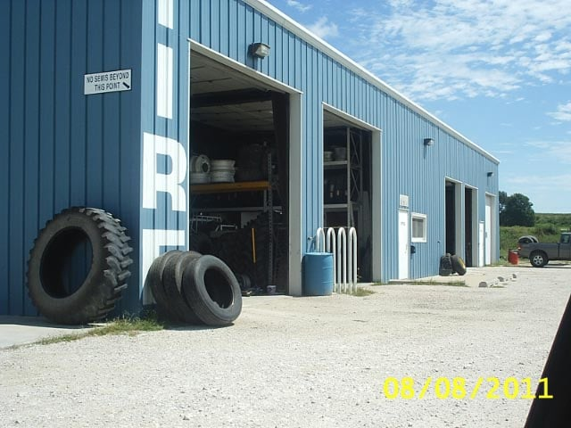 M & R Tire & Automotive Inc: 20175 245th St, McClelland, IA