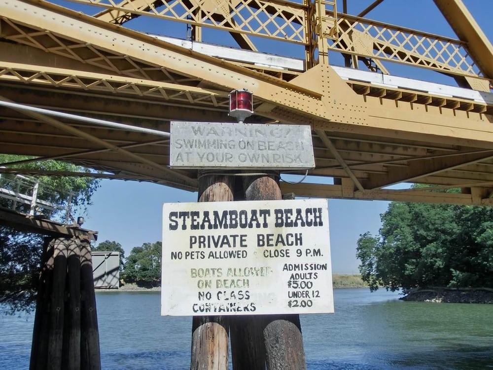 Steamboat Beach: Courtland, CA
