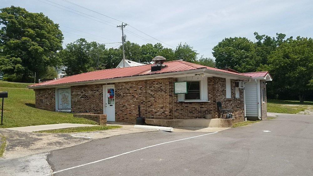 Walls BBQ: 450 Spring St, Charlotte, TN