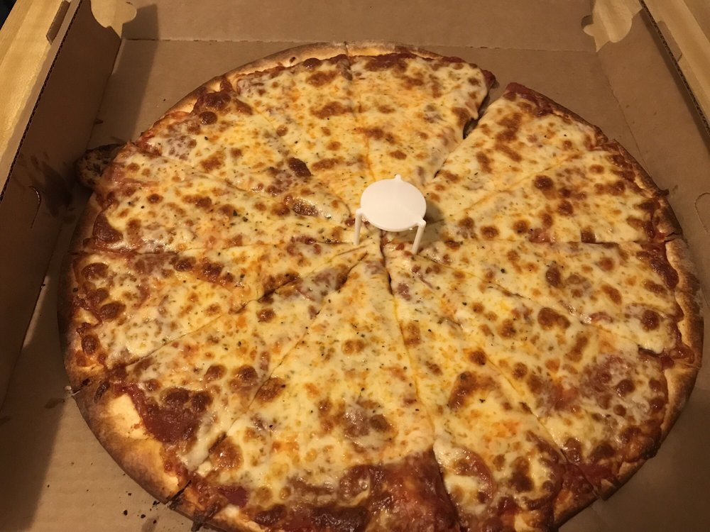 Chanticlear Pizza: 4869 208th St N, Forest Lake, MN