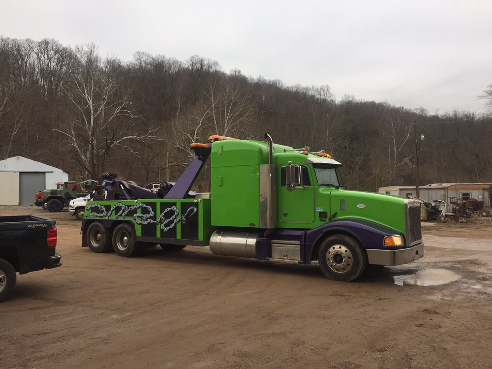 1st Response Towing & Recovert: 41276 Laurel Cliff Rd, Pomeroy, OH