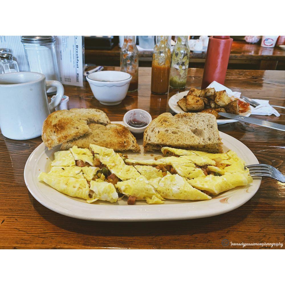 Toni's Diner: 3621 Tichenor Rd, Hector, NY