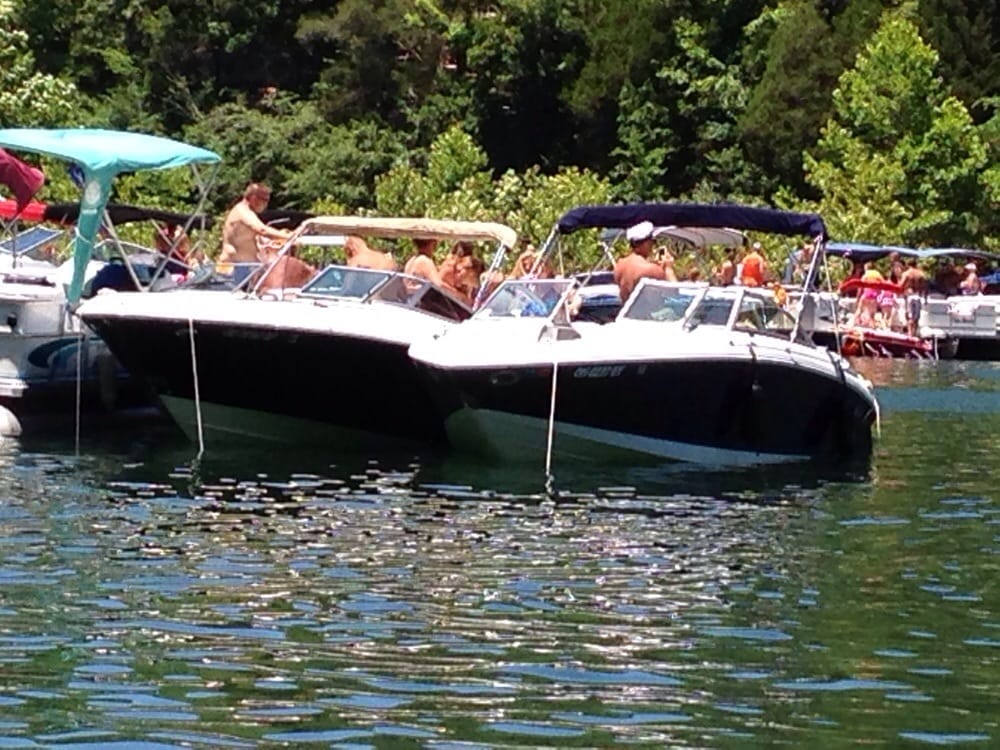Photo Of Lake Cumberland Resort Pizza Burnside Ky United States Party Cove
