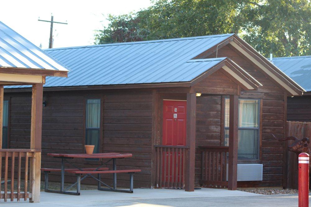 Texas Star Lodges: 1328 3rd St, Floresville, TX