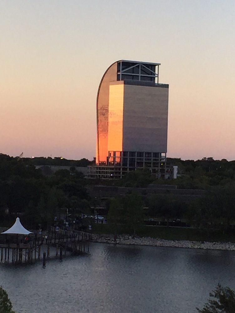 Majesty Building
