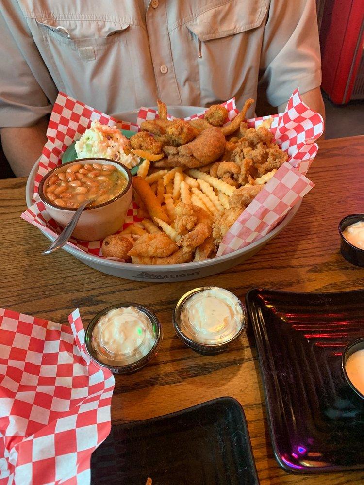 Booshay's Bayou Cafe: 103 N Main St, Gladewater, TX