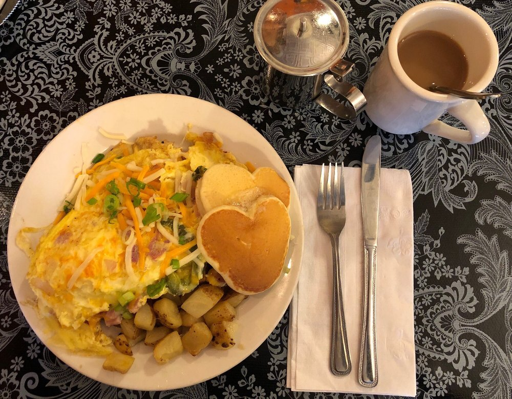 The Little Food Cafe: 330 Kennedy Blvd, Bayonne, NJ