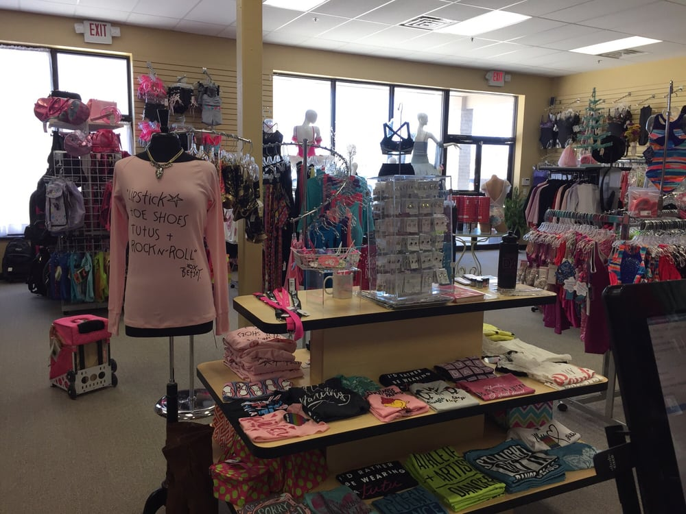 Fanci Footworks: 8212 23 Mile Rd, Shelby Charter Township, MI