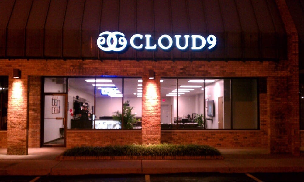 Cloud 9 Vapor Lounge