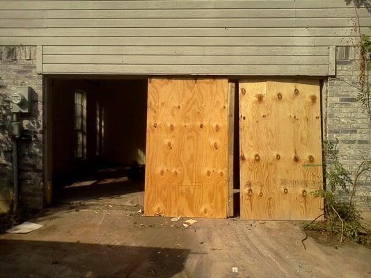 Dfw Garage Door Doctor Closed Garage Door Services Lakeview