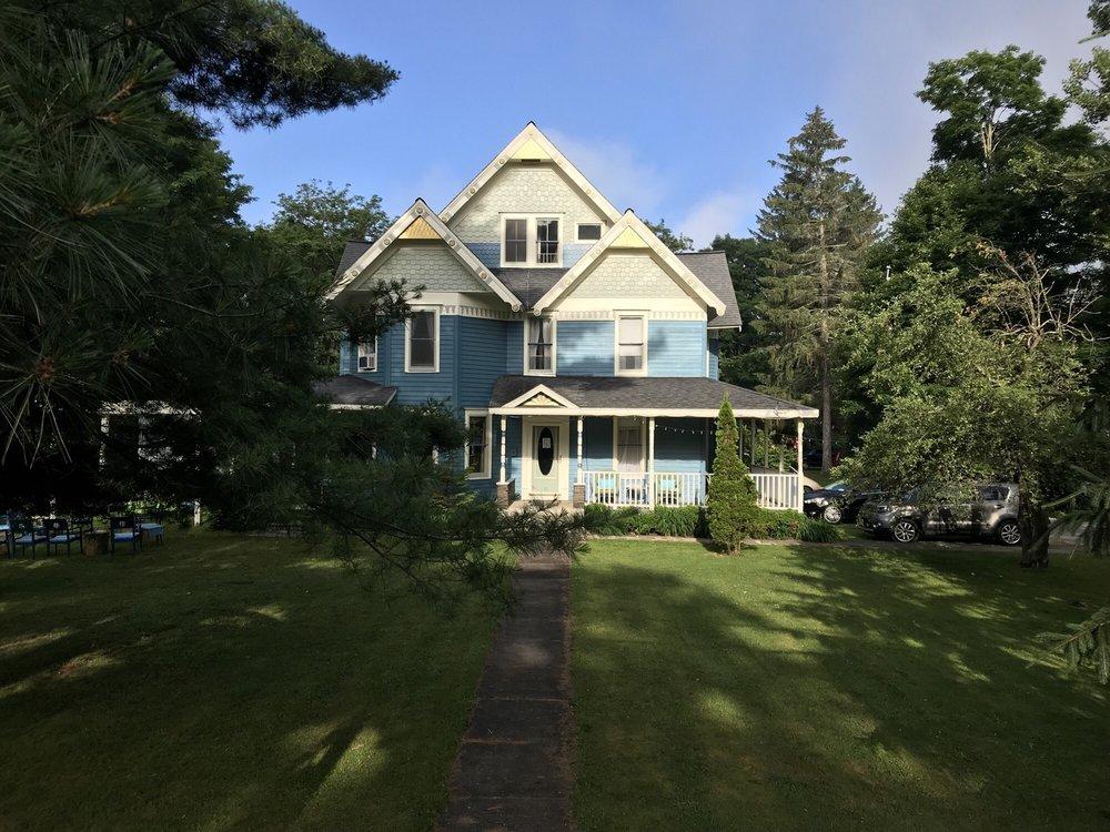Meadowood Inn: 50 Hornbeck St, Arkville, NY
