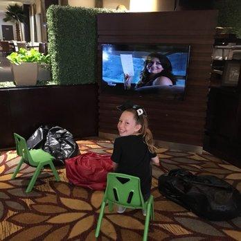 Anaheim majestic garden hotel 613 photos 505 reviews hotels 900 s disneyland dr anaheim for Anaheim majestic garden hotel yelp
