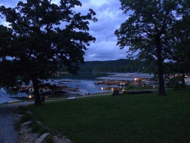 Kimberling Oaks Resort: 31 Holiday Dr, Kimberling City, MO