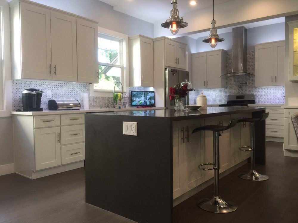 Kitchen lighting, with LED under cabinet low-voltage ...