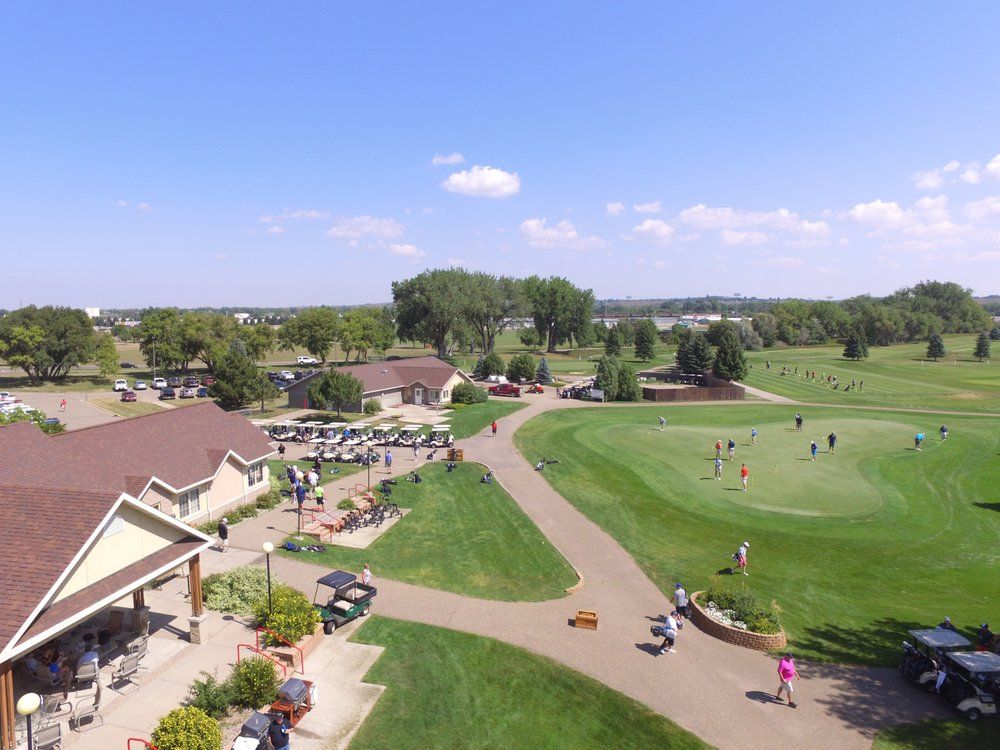 Prairie West Golf Course: 2709 Longspur Trl, Mandan, ND
