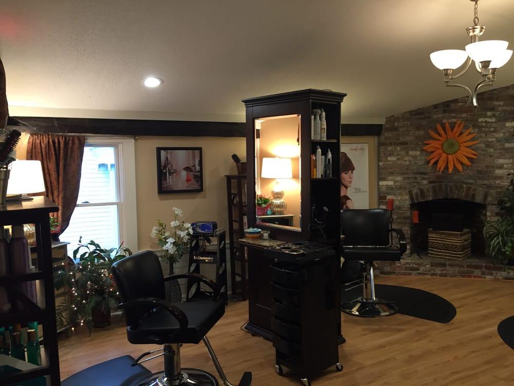 Salon Amalie: 102 Ponemah Rd, Amherst, NH