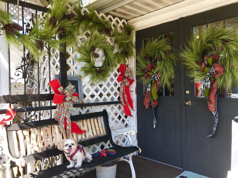 Julie's Cottage At Provence: 13128 Indian Rocks Rd, Largo, FL