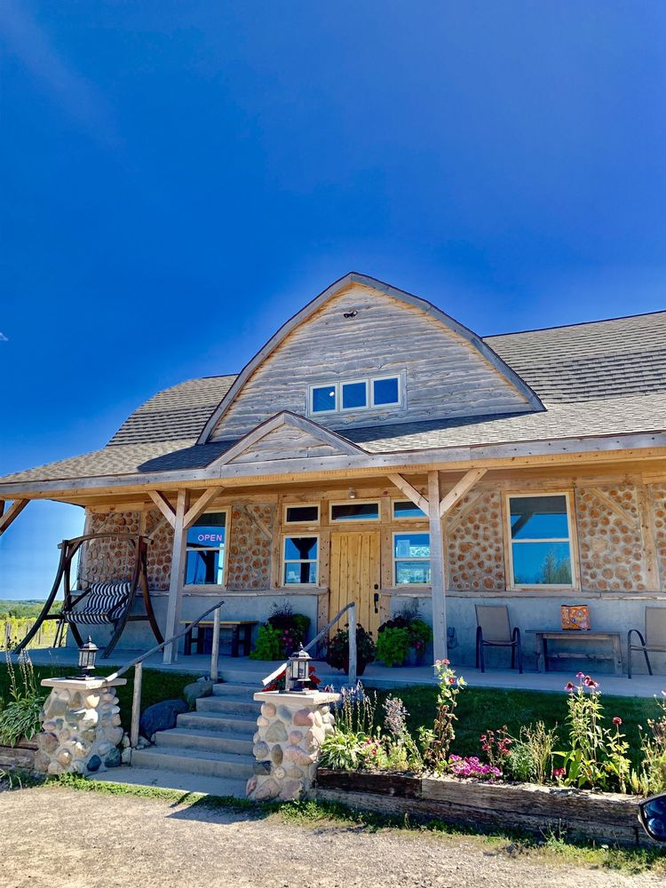 Walloon Lake Winery: 3149 Intertown Rd, Petoskey, MI