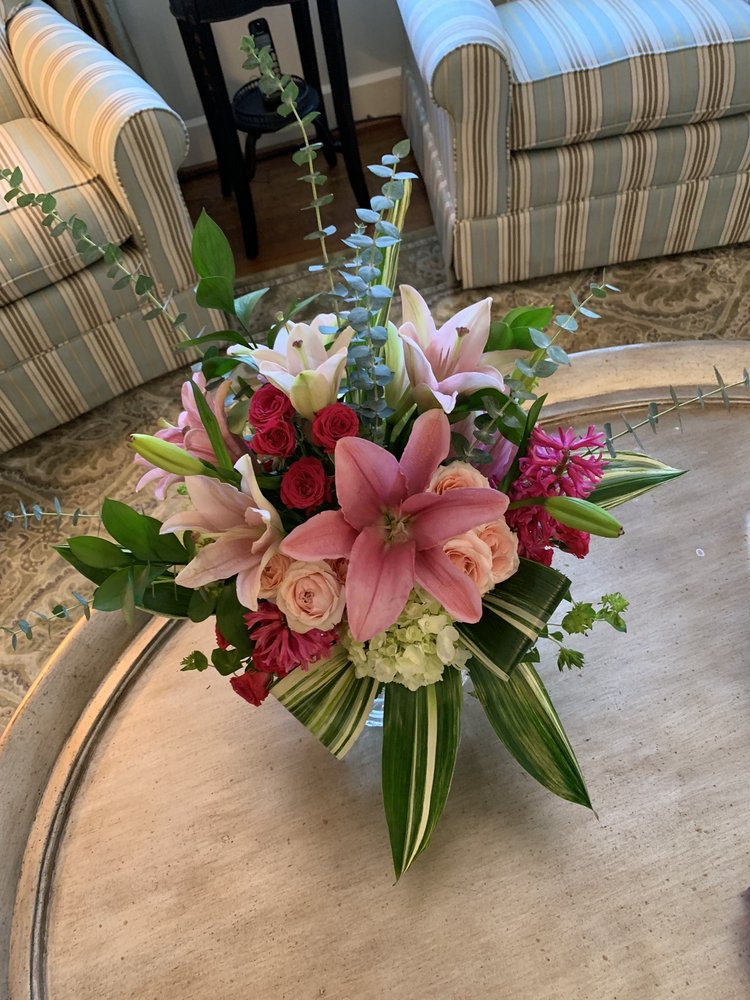 Blossoms Floral And Gift: 1503 W 2nd Ave, Corsicana, TX
