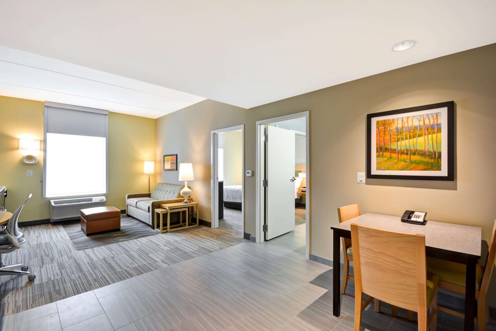 Home2 Suites by Hilton Charles Town: 70 Jefferson Crossing Way, Charles Town, WV